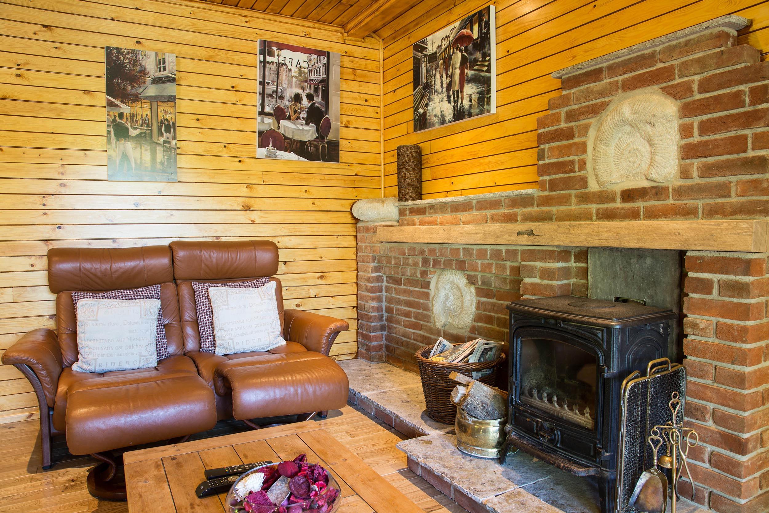 Herston Log Cabins Ash