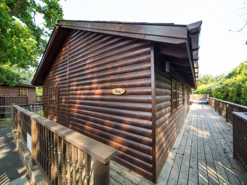 Ash Log Cabin exterior
