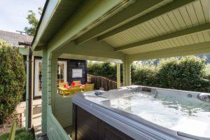 Rose Cottage hot tub